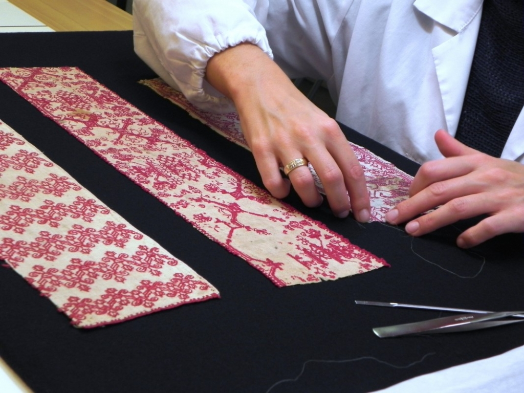 Elisa Zonta, textile conservator since 2006. Italy