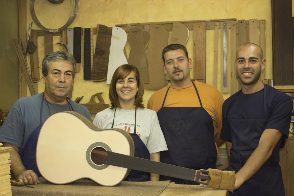 Teodoro Pérez, luthier. Spain
