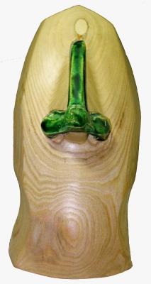 Sculpture de nez associant bois et céramique
