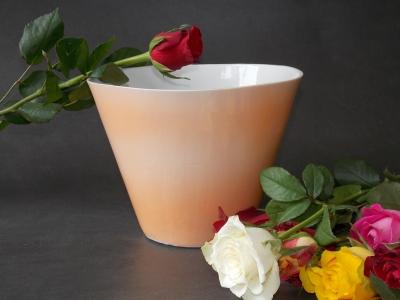 Cone orange avec fleurs - Atelier Esprit Créateur - Bas van Zuijlen