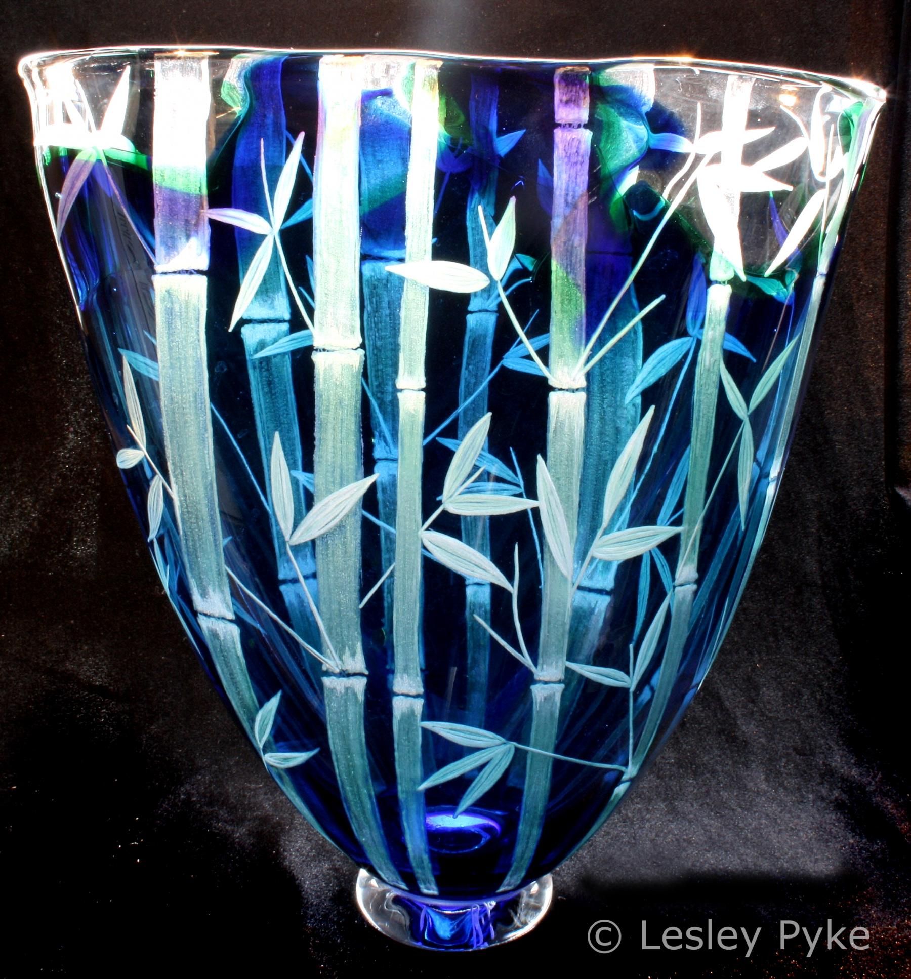 Lesley Pyke - Engraver on crystal and glass - Mad'in Europe