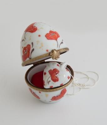 Boite bijoux oeuf en porcelaine coquelicot