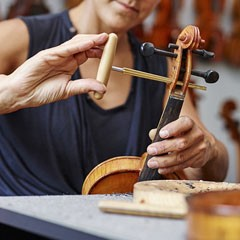 Esther Bonnard - Luthier