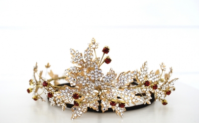 Britten Toftarp - Interpretation of the danish royal tiara of desiree bernadotte