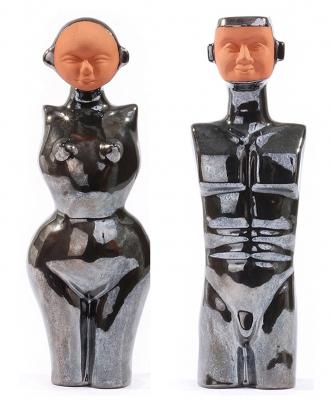 Statuettes en faience realisees par coulage tirage limite a 25 exemplaires