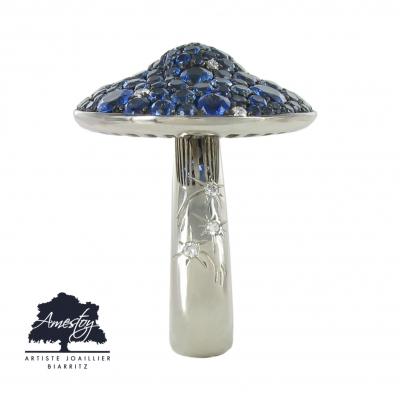 Bague champignon or blanc saphir et diamant