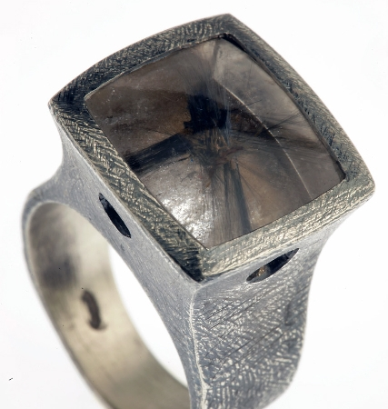 Glauco Cambi - Ring in silver with rutilated quartz