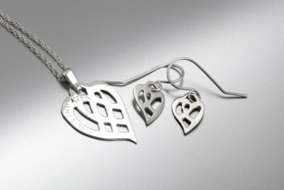 Sheila kerr kiss pendant and earrings