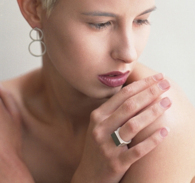 M gloss ring