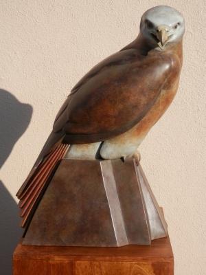 Ama Menec sculpture - side view