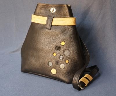 Les cuirs de lune sac a dos bulle noir jaune pale paillete