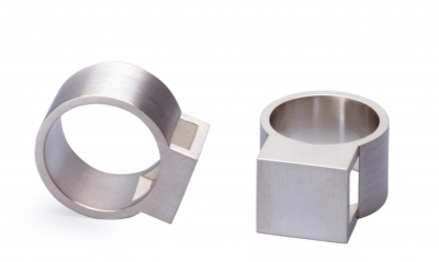 M gloss ring cube silver