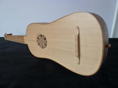 George P.J.Stevens, Luthier - Front angle