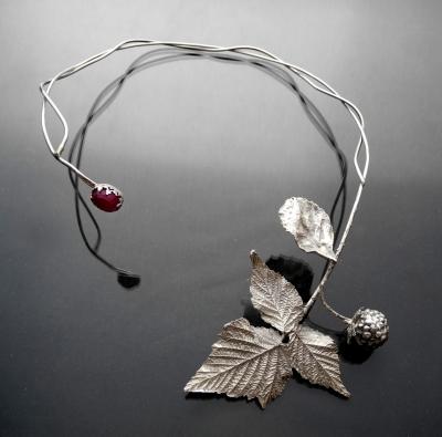 Raspberry branch - Rekami Stworzone by Iwona Tamborska