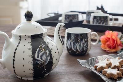 Service cafe porcelaine et feuille d or atelier porcelaine