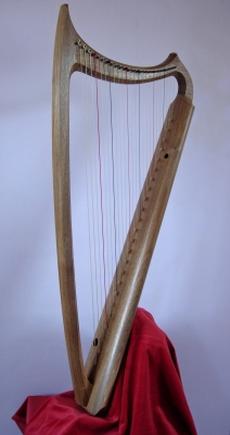 George P.J.Stevens, Luthier - Gothic 24 str walnut