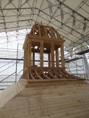 Restauration d'une lanterne sur un dôme. entièrement démonté et restauré en atelier, le terrasson qui n'existait plus a été restitué.