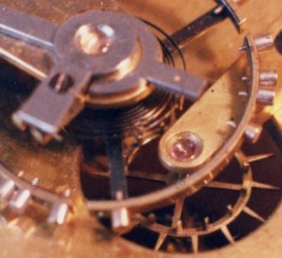 Echappement duplex d une pendule angalise de voyage milieu 19eme siecle photo de francois montaufray