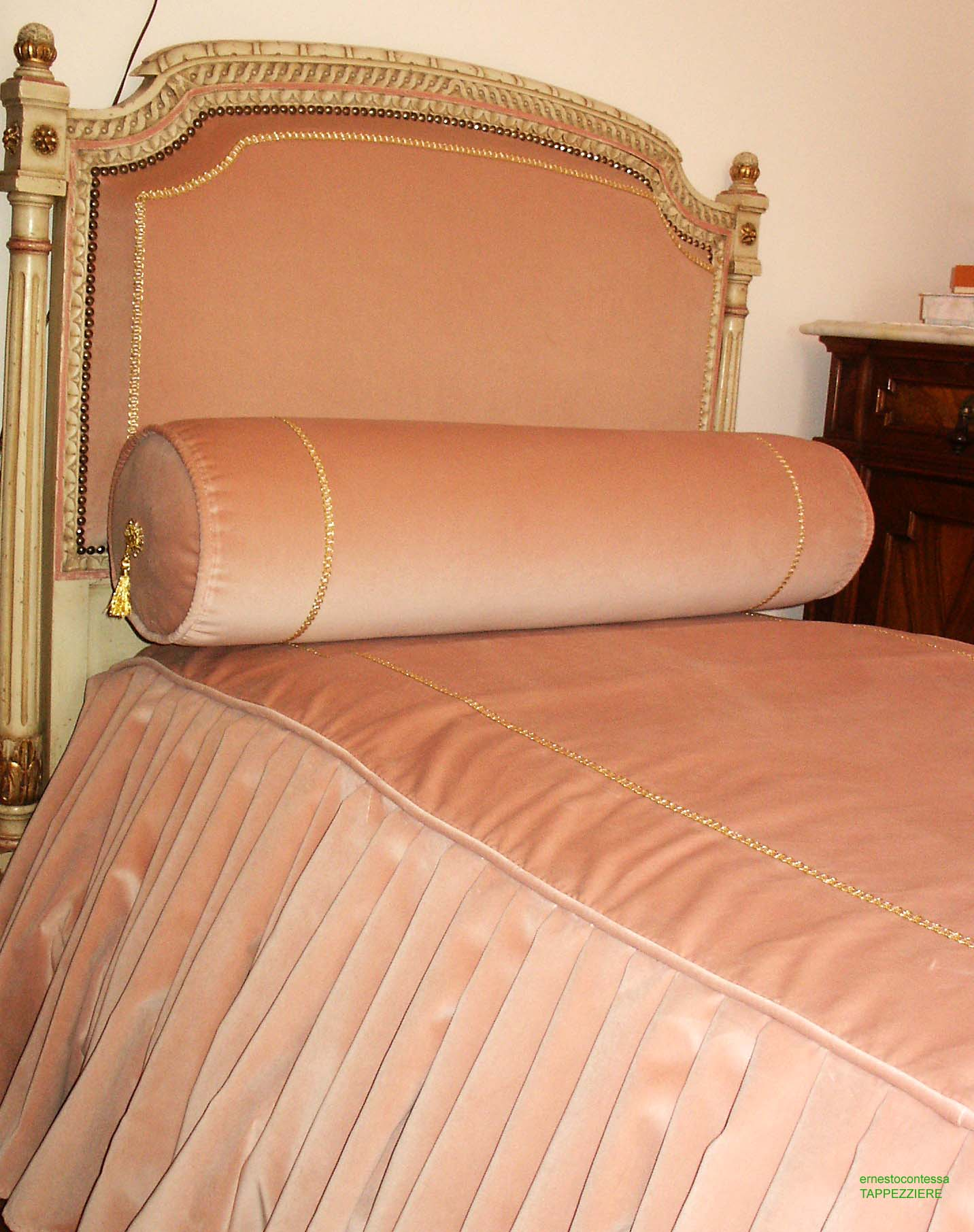 Paint Your Life Letto A Castello.Ernesto Contessa Upholster Mad In Europe