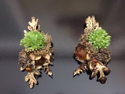 Laura balzelli orecchini in erbafogliepietre dure e foglia doro