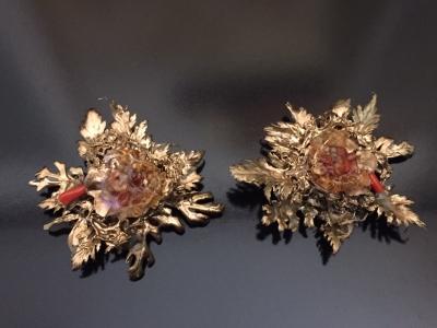 Laura balzelli orecchini in fogliefoglia dorocorallo e pietre dure