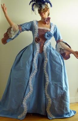 Fee au chateau robe a la francaise