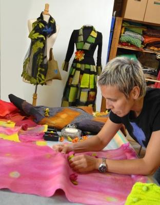 Nuna en el taller