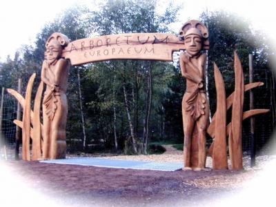 Arboretum Gateway in situ