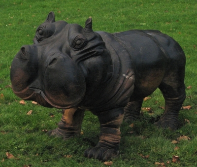 Chainsaw Sculpture - Hippo - (2 of 2) - Seven Sisters