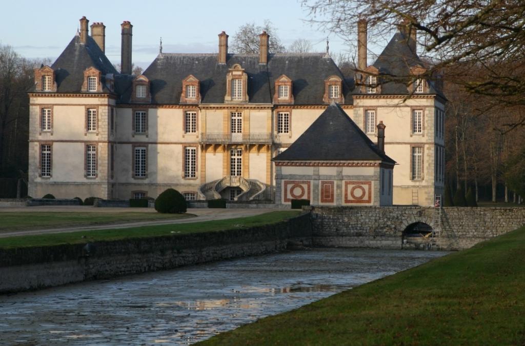 507 bourron castle france en 1024x675