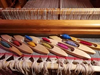 A modern floor loom