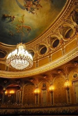 Restauration et restitution de luminaires, Théâtre Impérial de Fontainebleau