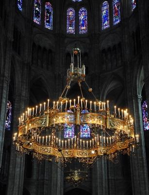 Restauration des lustres de la Cathédrale Saint Etienne de Bourges