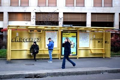 Fermata Bus Foglia Oro_Gold Leaf Bus Stop