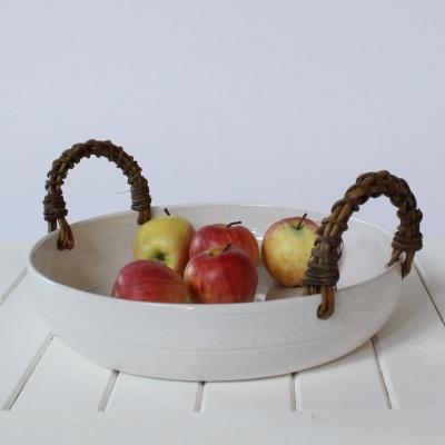 Fruitbowl with akebia vine handles