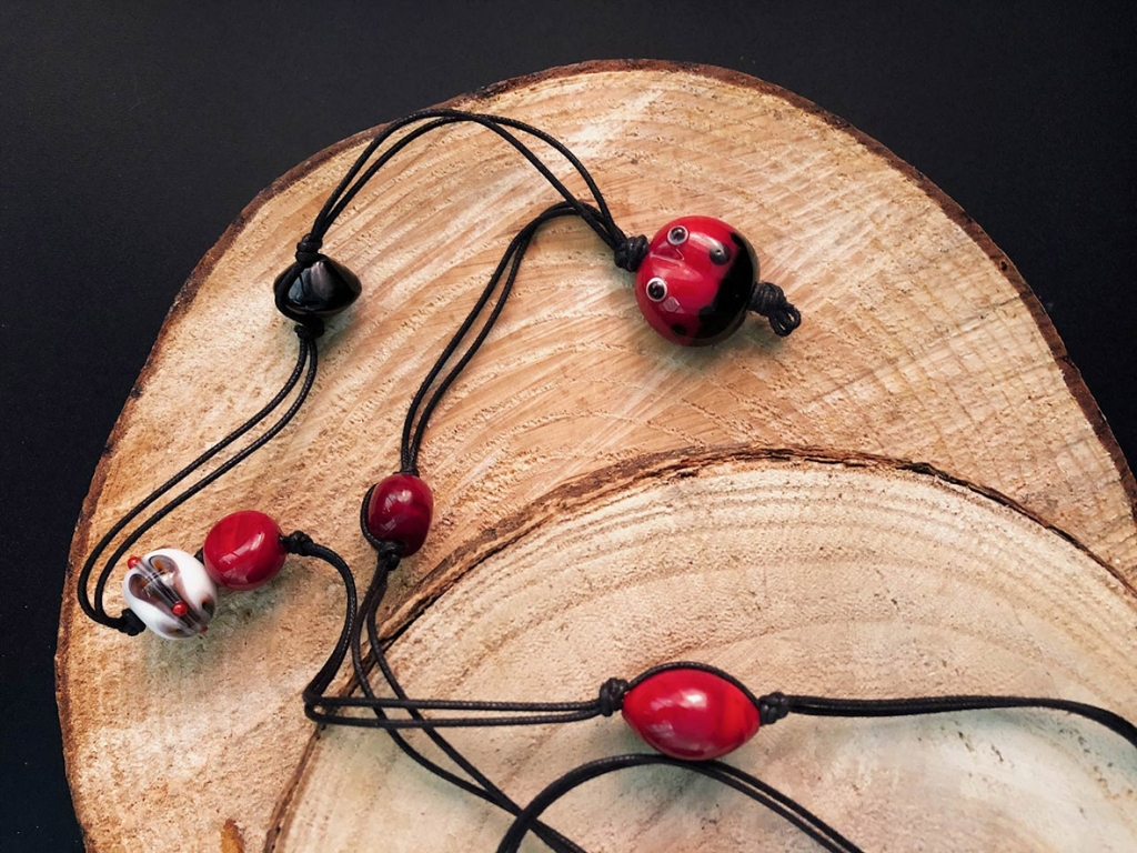 Francesca bortolaso glass artist necklace black ladybug2 copy