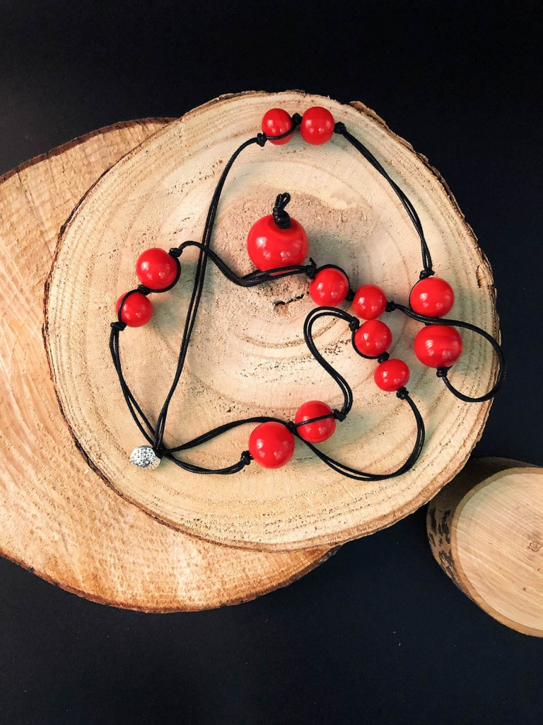 Francesca bortolaso glass artist necklace black red1 copy 1