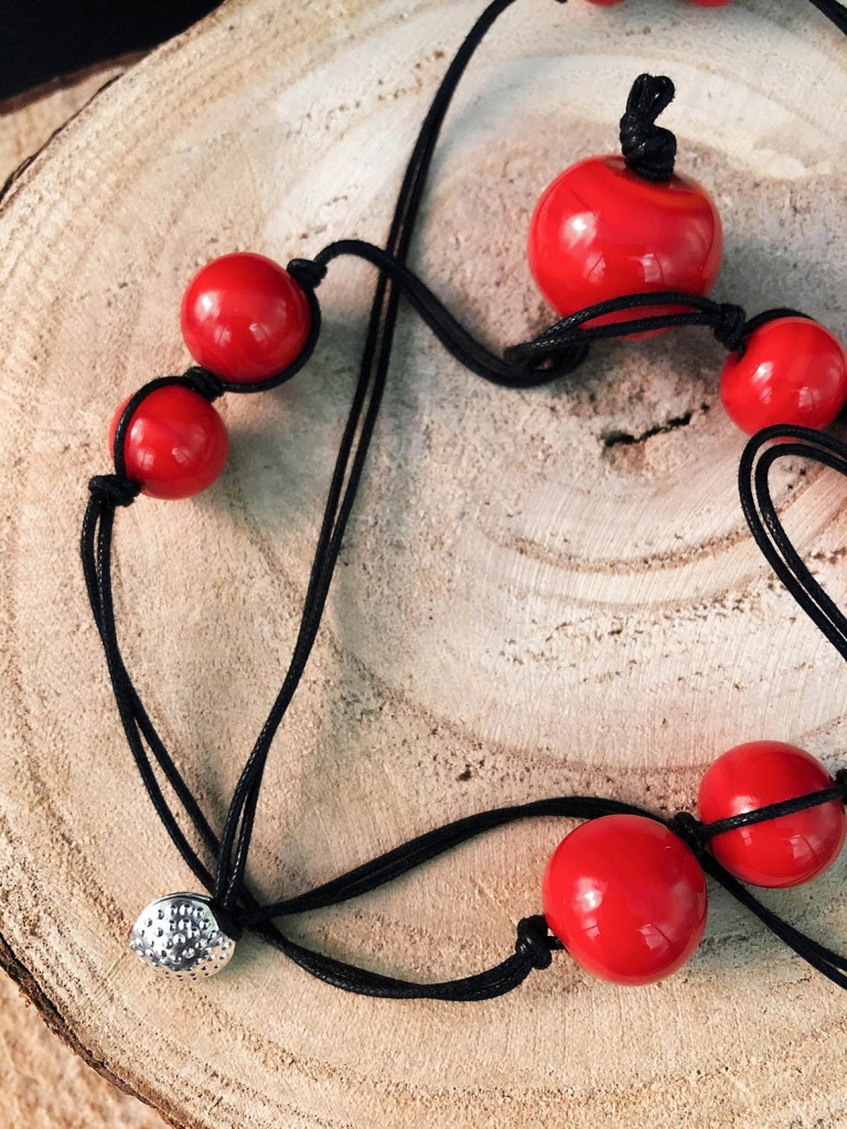 Francesca bortolaso glass artist necklace black red2 copy