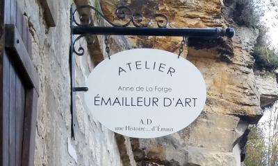 Atelier d'émaux sur cuivre d' Anne de La Forge