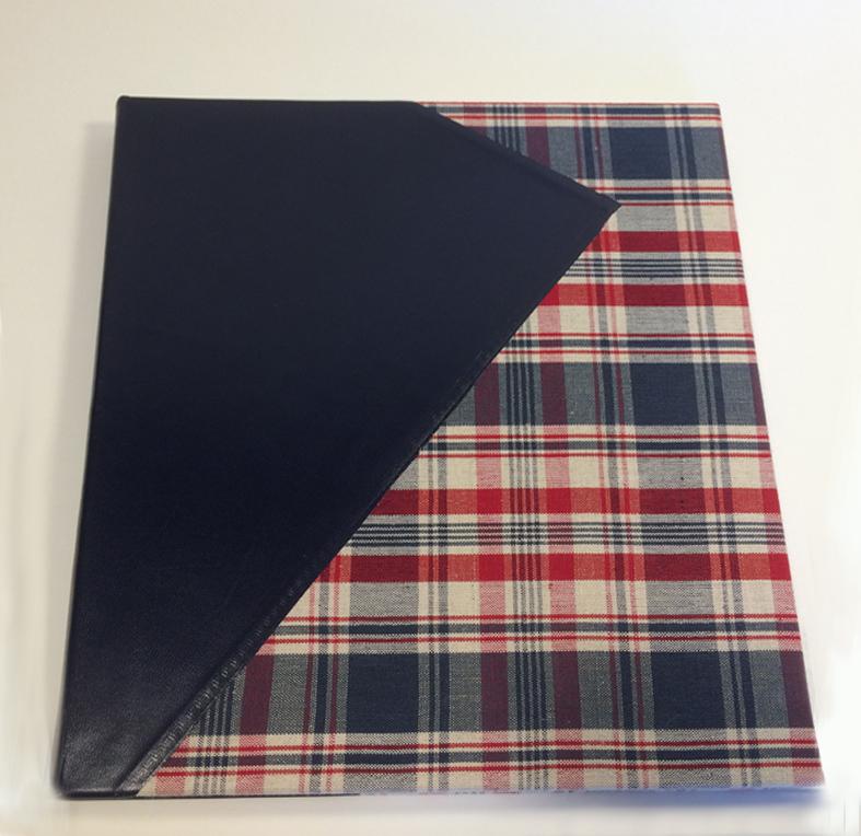 Kelsch bleu et rouge et cuir bleu 2 reframed