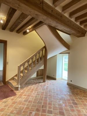 reconstruction complète d'un escalier début XIX. Les balustres sont d'origines.