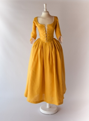 LOUISE, 1770 English Gown in mango Linen